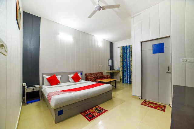 OYO 5175 Hotel Rama Blue Point Deluxe