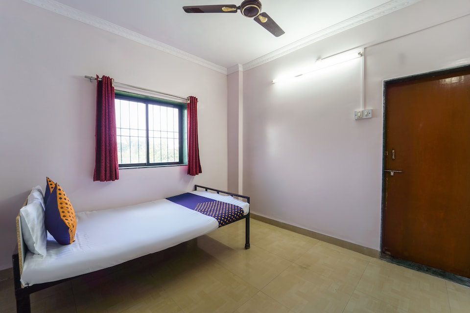 SPOT ON 63972 Hotel Amruteshwar