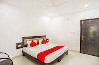 OYO 63988 Hotel Dolphin