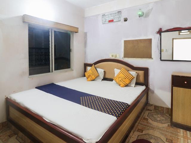 SPOT ON 64069 Hotel Maharaj SPOT