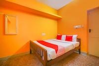 OYO 64099 Sona Residency  Suite