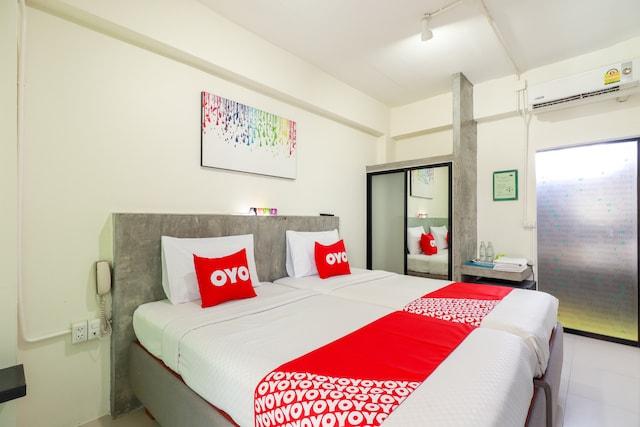 OYO 412 7 Days Hotel