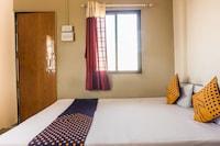 SPOT ON 64116 Hotel Shrinivas Lodging