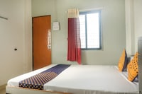 SPOT ON 64116 Hotel Shrinivas Lodging SPOT