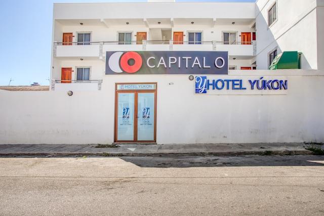 Capital O Hotel Yukon