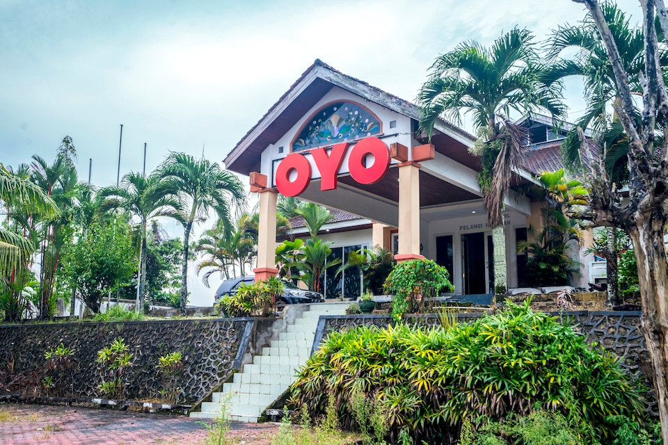OYO 1989 Hotel Pelangi Harapan