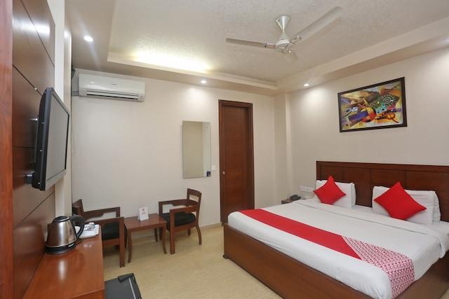 Capital O 5198 Hotel HCGrand Deluxe