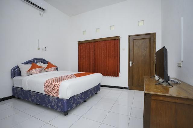 OYO 1999 Hotel Tentrem Syariah