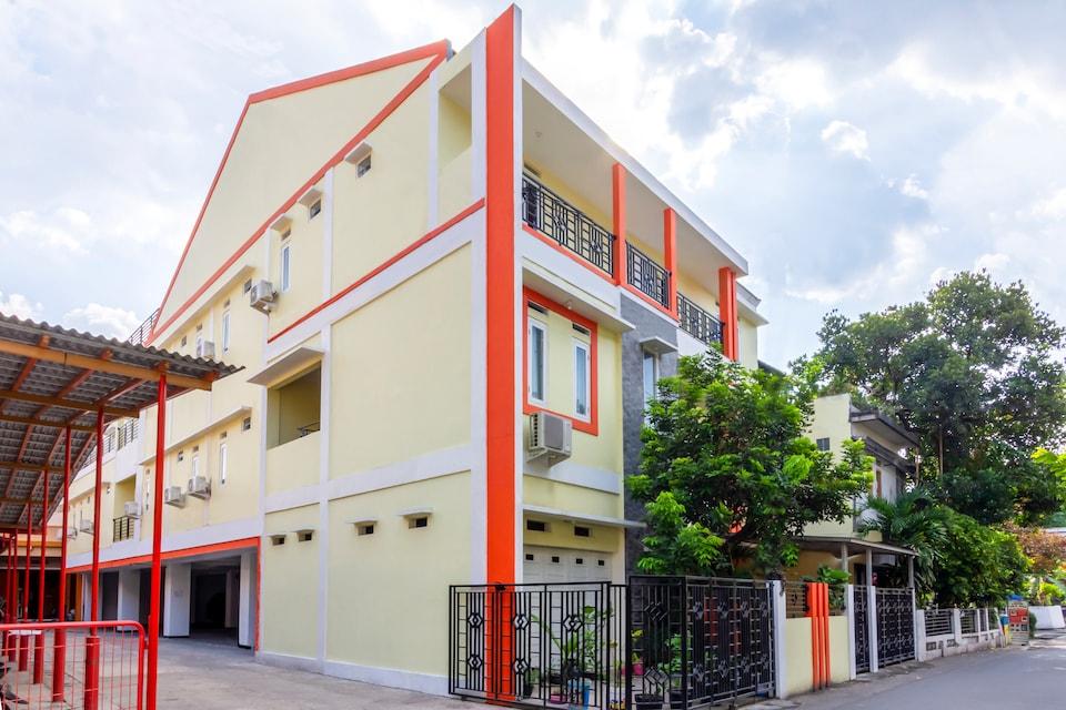 OYO 2008 Sellinas Family Residence Syariah, Pogung, Sleman
