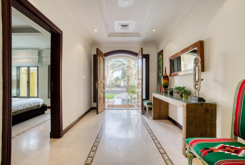 OYO 375 Home Villa E60