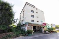 OYO 425 Gedkanok Apartment