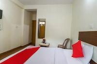 OYO 64248 Hotel Green View