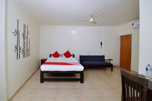 OYO 833 Hotel Prince Santosh Holiday Homes
