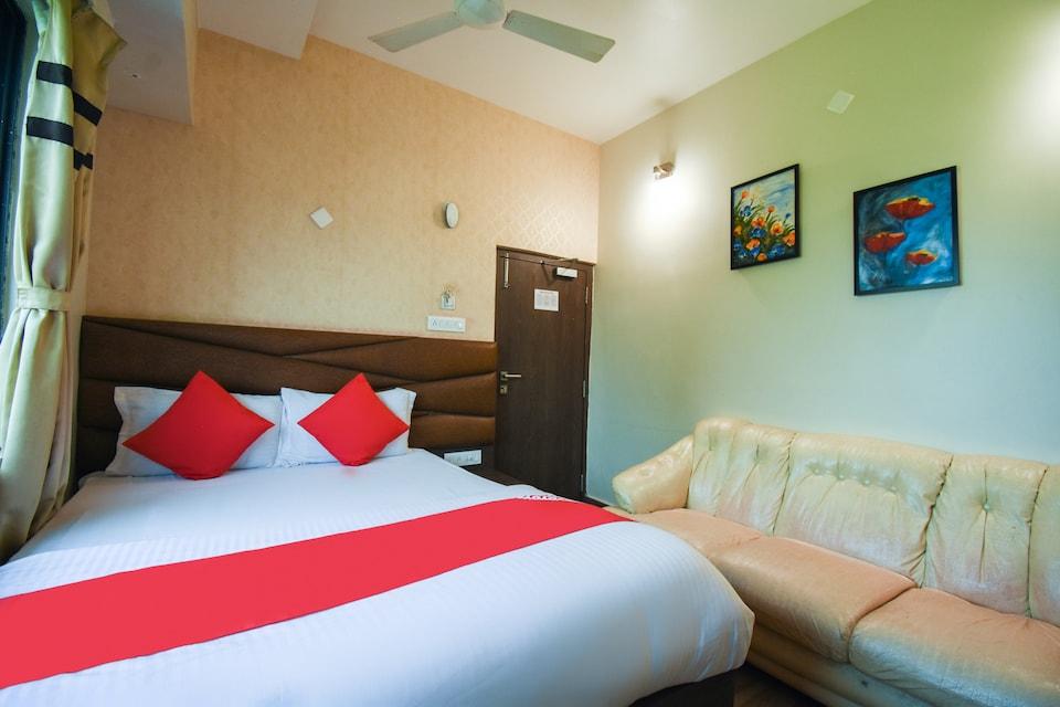 OYO 64260 Hotel Rajnandini