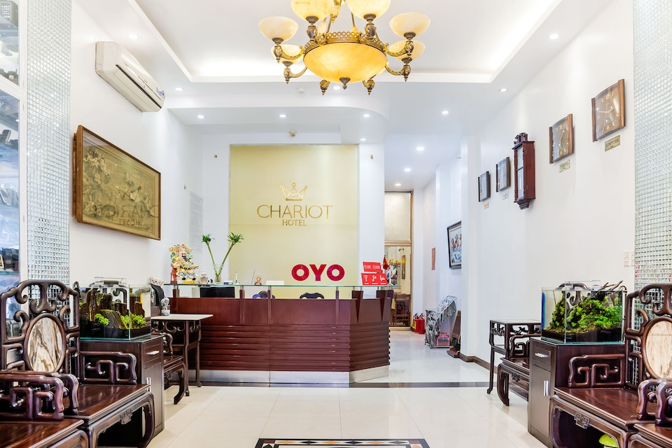 OYO 518 Chariot Hotel