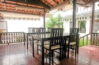 OYO 2060 Adam's Apple Family Guest House