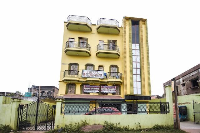 SPOT ON 64296 Hotel Rajamahal