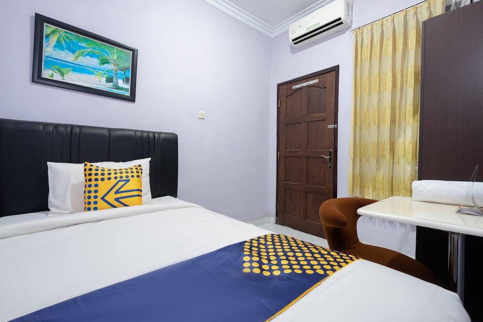 SPOT ON 2073 Guest House Omah Waris