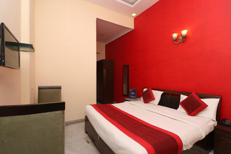 OYO 834 Hotel Aashirwaad -1