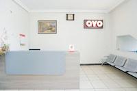 OYO 2075 Graha Marina