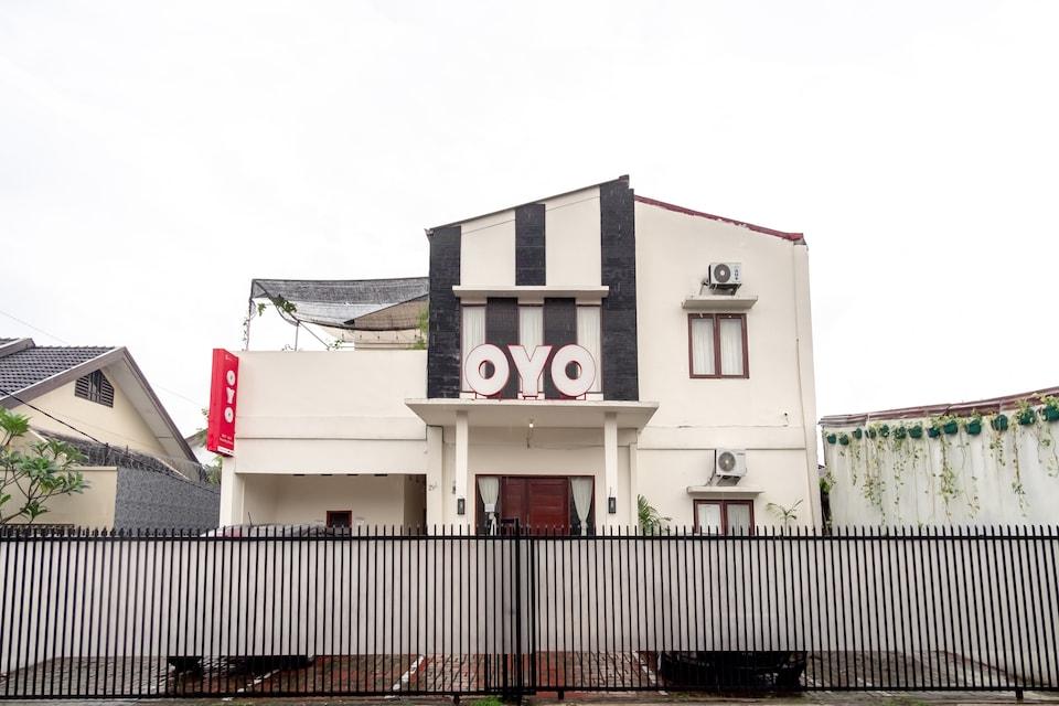 OYO 2076 Oxy Art Boarding House