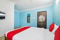 OYO 64353 Srinivasa Lodge