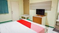 OYO 2085 Chrysanta Hotel