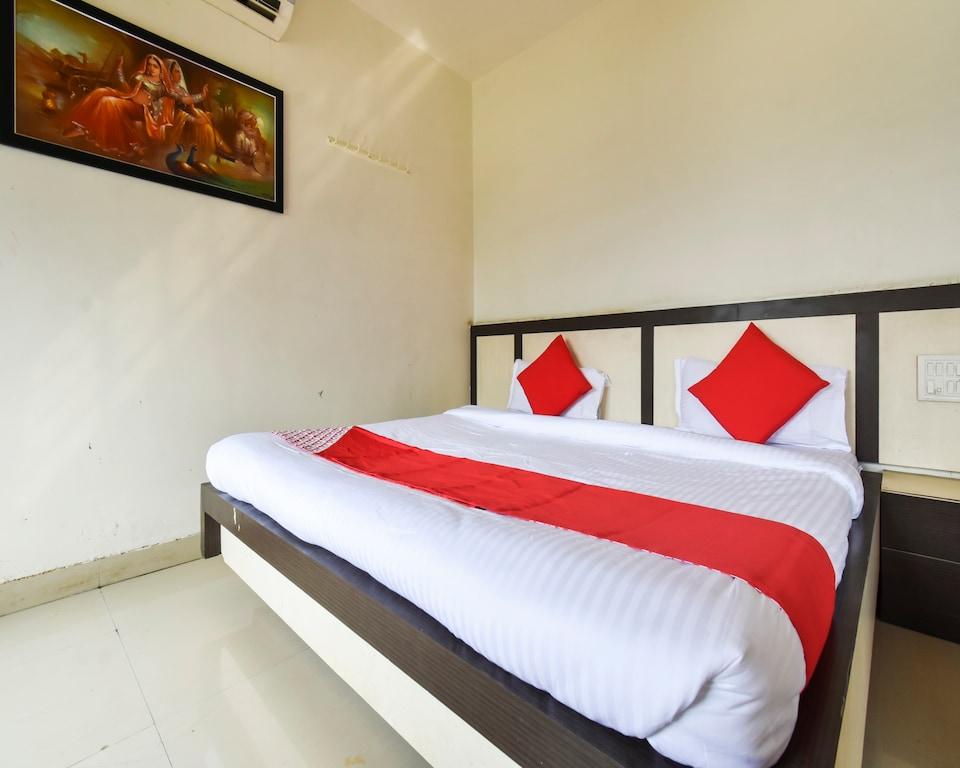 OYO 64370 Hotel Gita Plaza