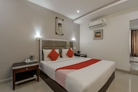 Capital O 5231 M V Boutique Hotel