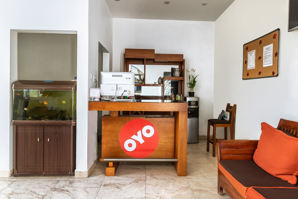 OYO Hotel Emperadores Inn