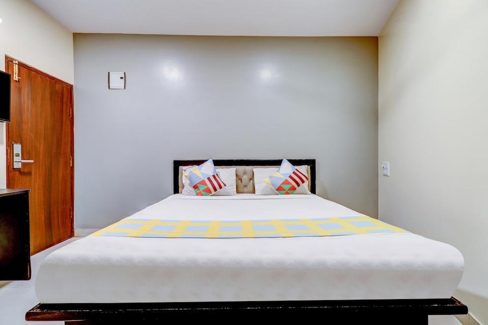 OYO Home 64412 Peaceful Stay Bg Road