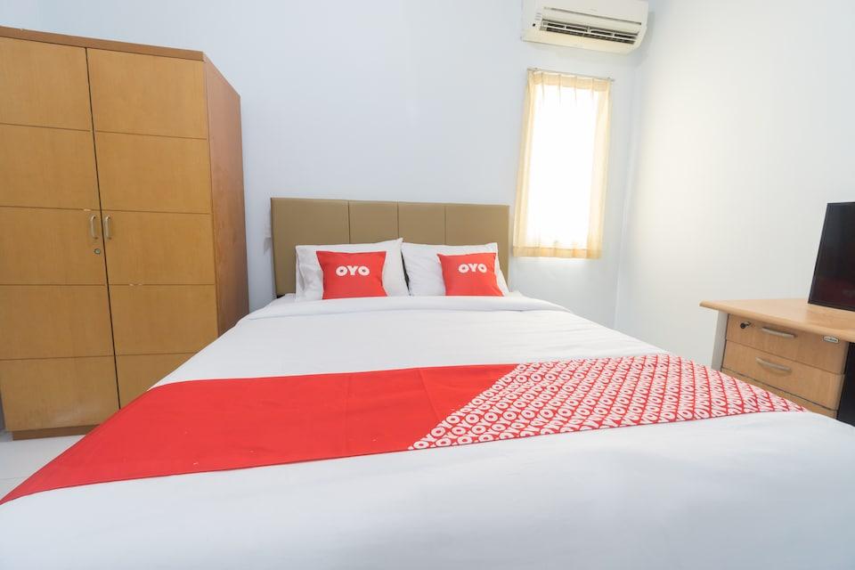 OYO 2110 Rotterdam Guest House , Karawaci, Tangerang