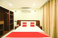 OYO 118 Golden Crown Hotel