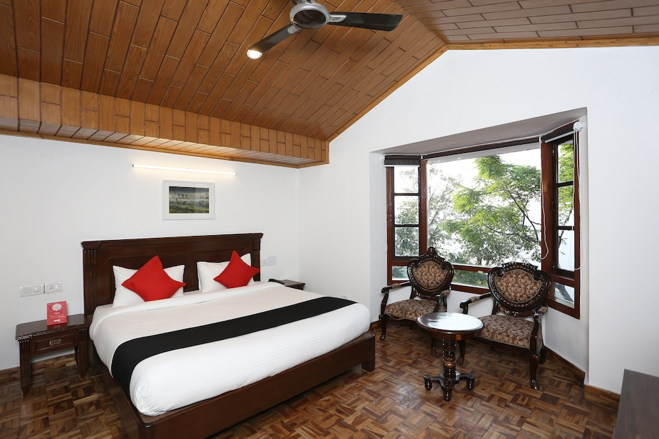Capital O 5248 Surbee Resorts, Library Chowk Mussoorie, Mussoorie