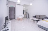 OYO Home 89592 Homey Studio 3 Towers