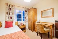 OYO Wincham Hall Hotel
