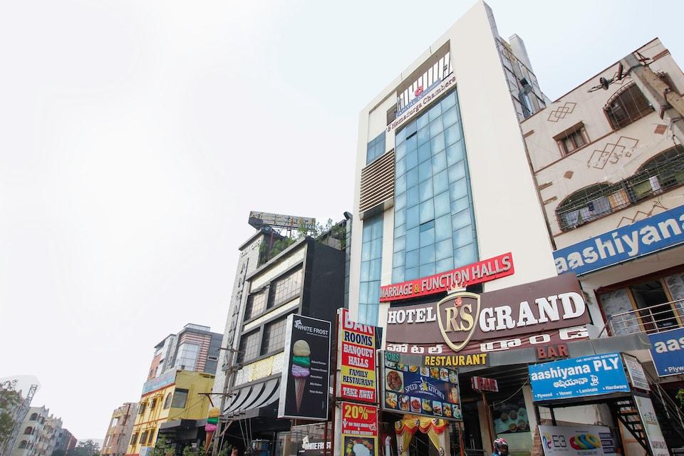 Capital O 64656 Hotel R S Grand