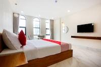 OYO 541 Maple Suite Hotel