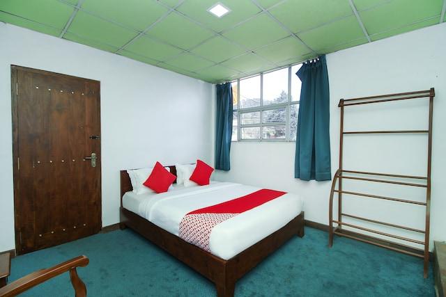OYO 453 Hotel Green Palace