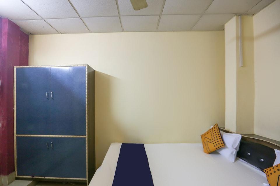 SPOT ON 64772 Hotel Sai Bhadawar