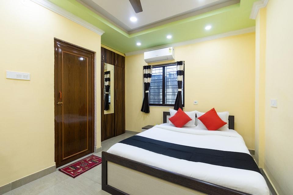 Capital O 64870 Hotel Holiday, Ruby Hospital Kolkata, Kolkata