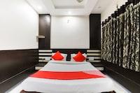 OYO 64915 Hotel Richie Rich Resort Deluxe