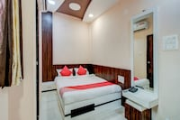OYO 64920 Hotel Gaurav And Sai Digambar Lodge