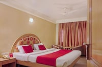 OYO 333 Hotel Crystal Homes