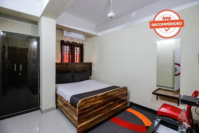 Collection O 50303 Central Inn 1 Ganeshguri