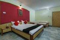 Capital O 65036 Hotel Siddhi Vinayak Deluxe