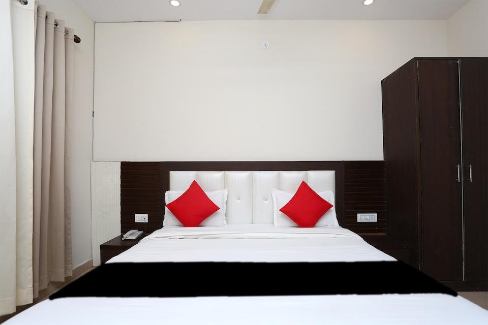 Capital O 65054 Rajhans Hotel And Resort
