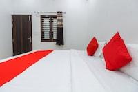 OYO 65072 Hotel JS Plaza