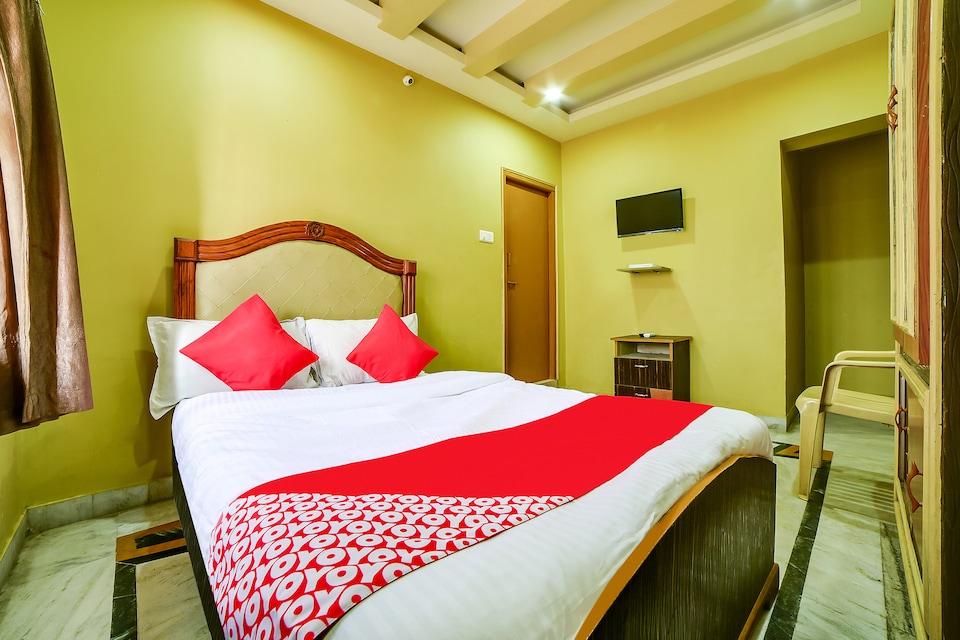 OYO 65103 Hashmi Residency
