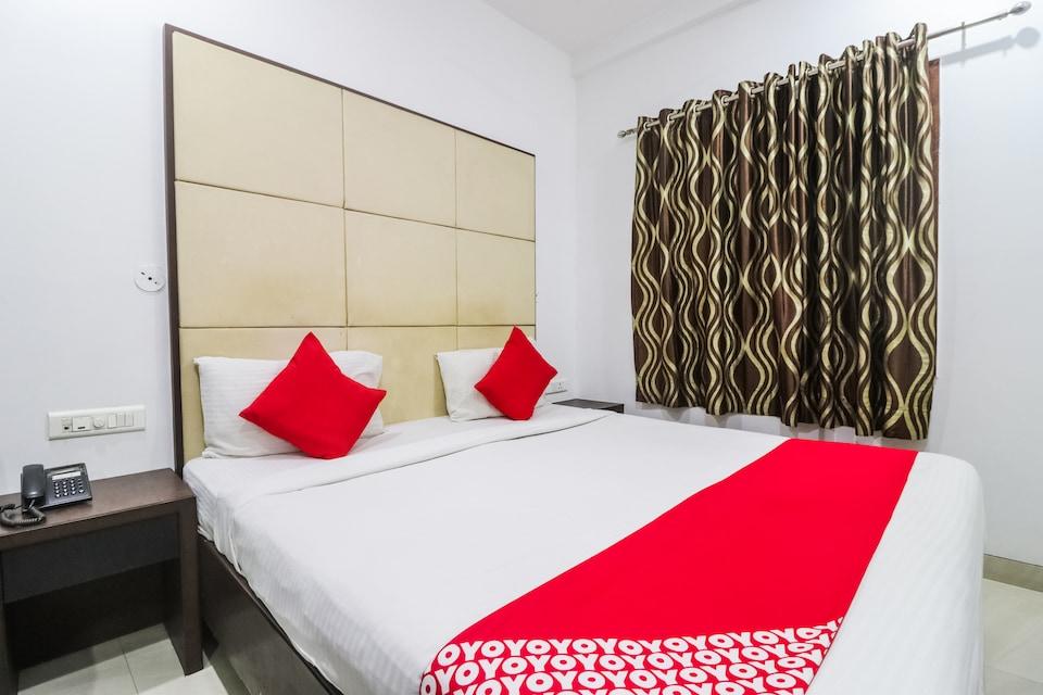 OYO 65124 Hotel Simran Regency